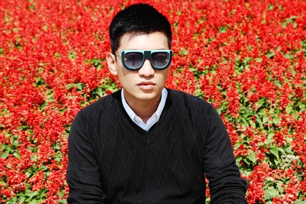 Bryanbot wearing Fendi sunglasses at Chaoyang Park, Beijing