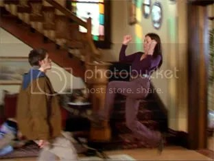 Prue taking on a demon. One of the many things you just have to love about the oldest Charmed One.