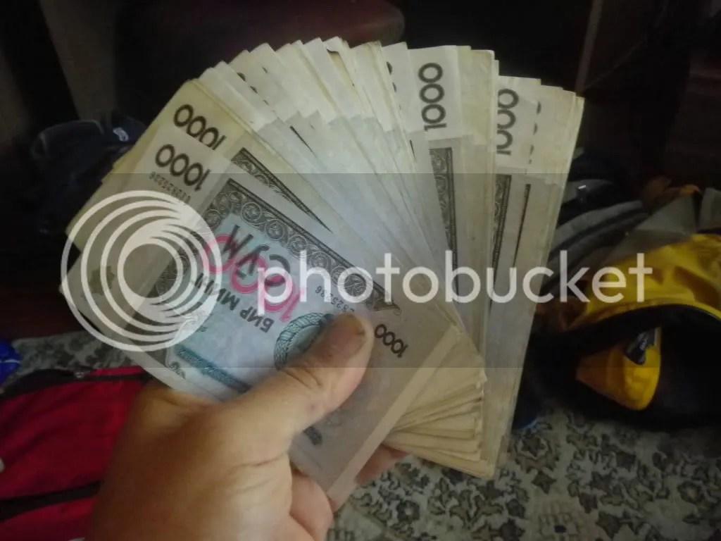 Un fajo de billetes Uzbecos, Sum.