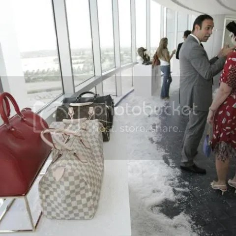 Louis Vuitton Seasonal Gift Collections 2008 at Dubai