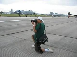 Fotografer sedang beraksi :-D