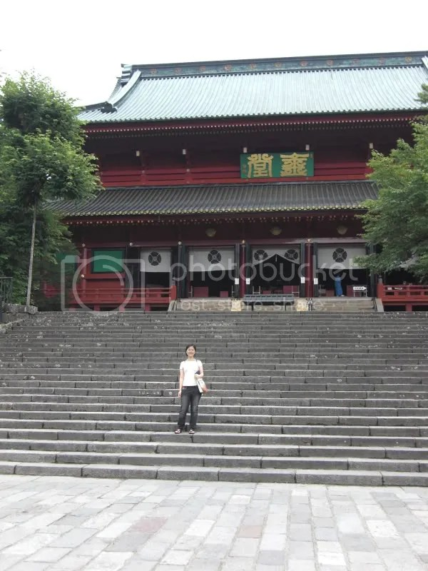 Rinnoji Temple which houses 3 great Buddha statues.