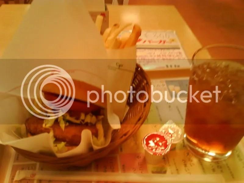 Mos Hot Chicken burger