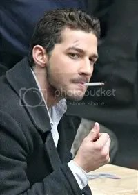 Someone should tell to Shia Labeouf to stop smoking: that's not good for his health! - On the set of Eagle Eye.