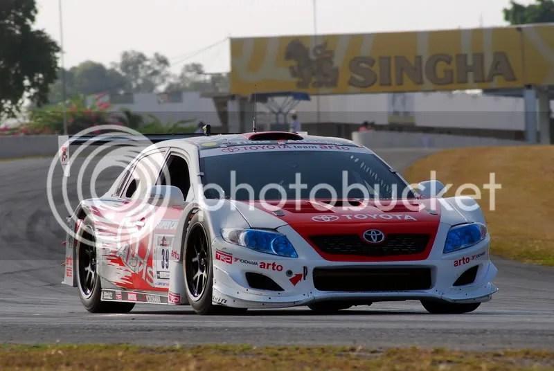 รถแข่งจากทีม Toyota Arto แข่งในรุ่น Open Silhouette ทำเวลาดีที่สุด 1.00.554 ในรายการ XO Time Attack