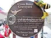 Crossbones Memorial