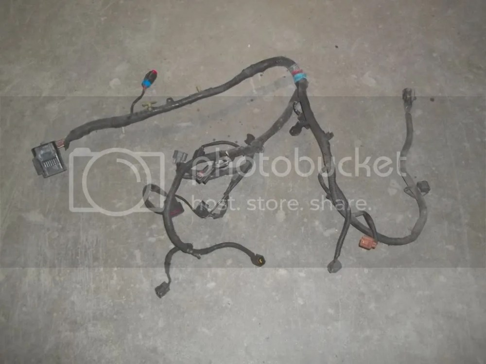 medium resolution of 98 ford mustang 3 8 at engine fuel injector wiring harness has damaged plugs