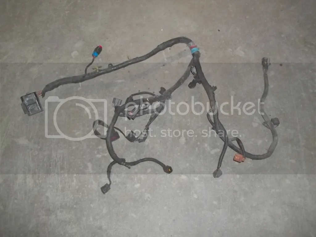 hight resolution of 98 ford mustang 3 8 at engine fuel injector wiring harness has damaged plugs