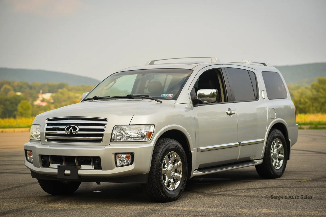 photo Infiniti-Serges-Auto-Sales-Car-dealer-Pennsylvania-QX56-Scranton-Nepa-16_zps5tb8e6mq.jpg