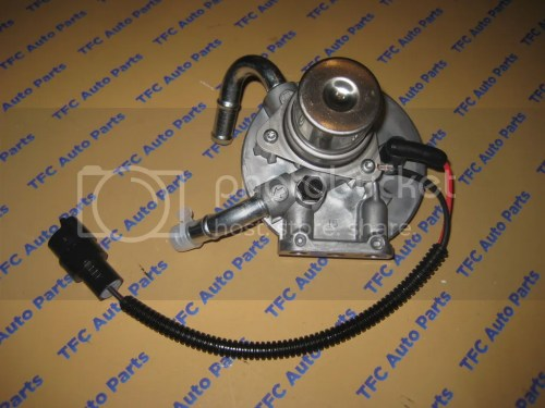 small resolution of details about chevy silverado gmc sierra duramax fuel filter housing with primer oem new
