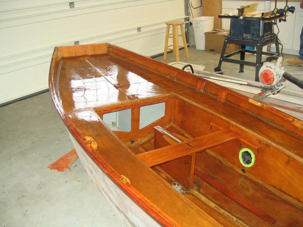 hight resolution of mirror dinghy restoration