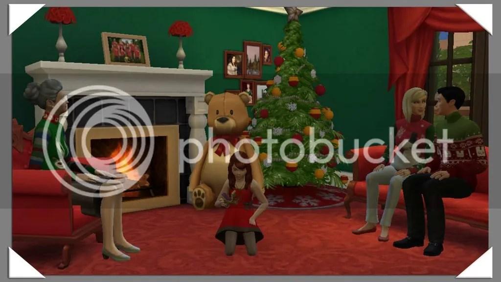 photo Family Christmas_zpszivslsen.jpg