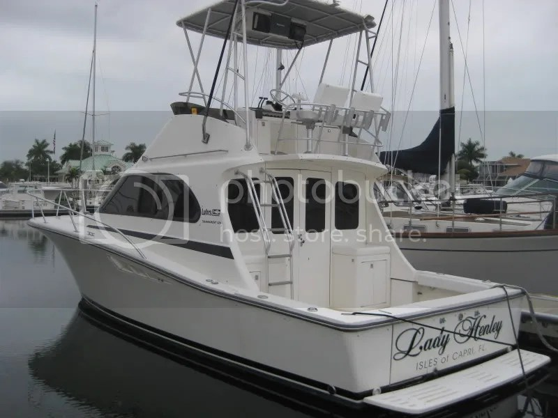 LUHRS 320 Tournament Convertible  Reduced 46000  The
