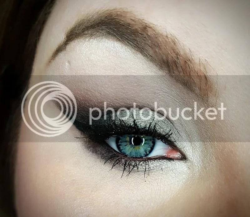 photo Dec. in Makeup - Bee Beauty 40_zpsc6brhmuk.jpg