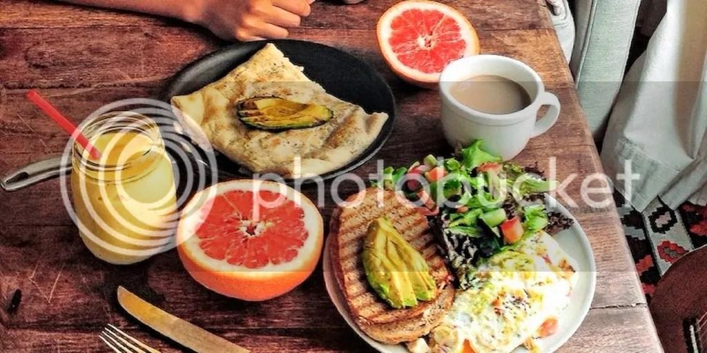 Cara Cepat Mengencangkan Muka Yakni Dengan Rajin Mengkonsumsi Makanan Bergizi