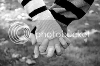 https://i0.wp.com/i362.photobucket.com/albums/oo62/MrHenryVanity/Holding_hands_by_homarte-1.jpg