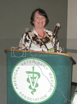 Dr. Amanda Rose addresses the AVMA Raw Milk Symposium. Photo by David E. Gumpert, from the Complete Patient blog.
