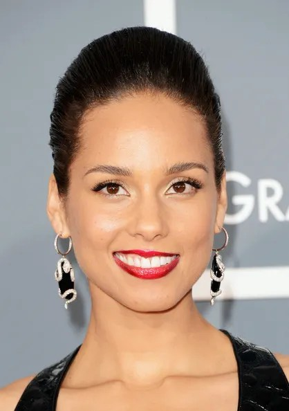 photo AliciaKeys55thAnnualGRAMMYAwardsArrivalsvCTpsogRtlAl_zps32dc2499.jpg