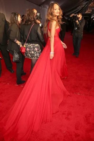 photo Rihanna55thAnnualGRAMMYAwardsRedCarpetYIxo168moBKl_zpsf56ec1f1.jpg