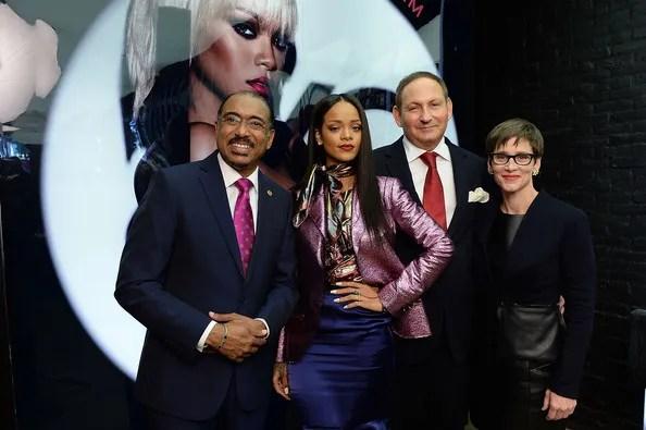 photo RihannaMACCosmeticsLaunchesVivaGlamRihannajAzG1SZzbo4l_zps4b17d25c.jpg
