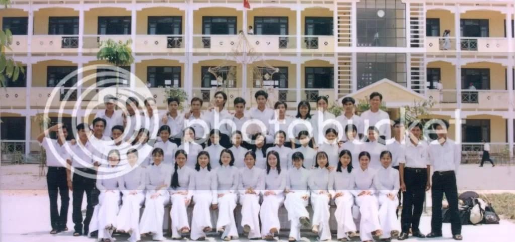 Lớp 12/2 NK: 1999-2002