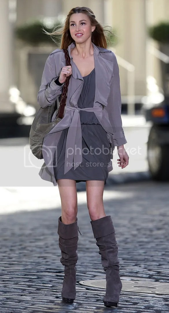 grey outfit Pictures, Images and Photos