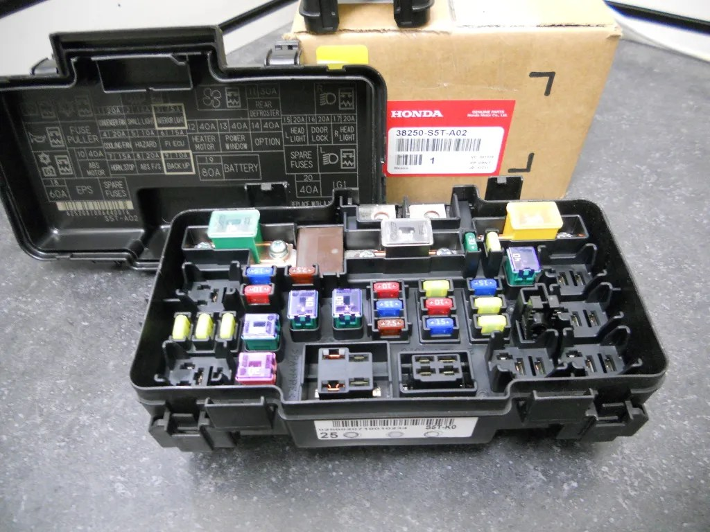 genuine honda civic si fuse box relay assembly w eld electronic load [ 1024 x 768 Pixel ]