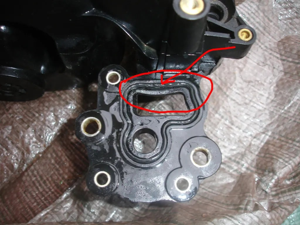 hight resolution of 1999 mustang thermostat housing