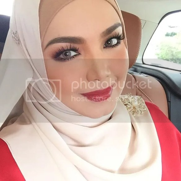 Datuk siti nurhaliza dikritik kerana menyanyi di smule for Siti di collezionismo