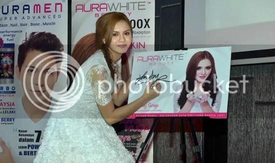 hanez suraya aura white