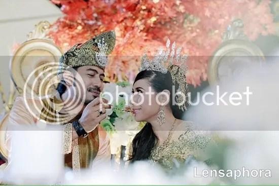gambar kahwin wan raja dan yaya maembong