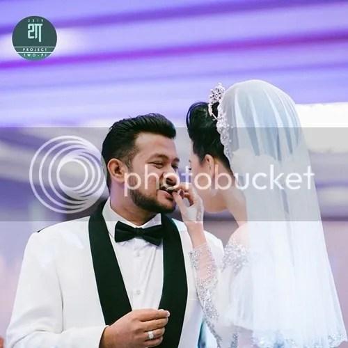 gambar resepsi eina azman dan suami