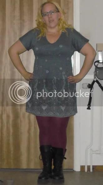 Dagens outfit : Tunika strl 36/38 KappAhl. Leggings strl 44/46 Lindex. Kängor second hand, märke Dockers eller liknande.