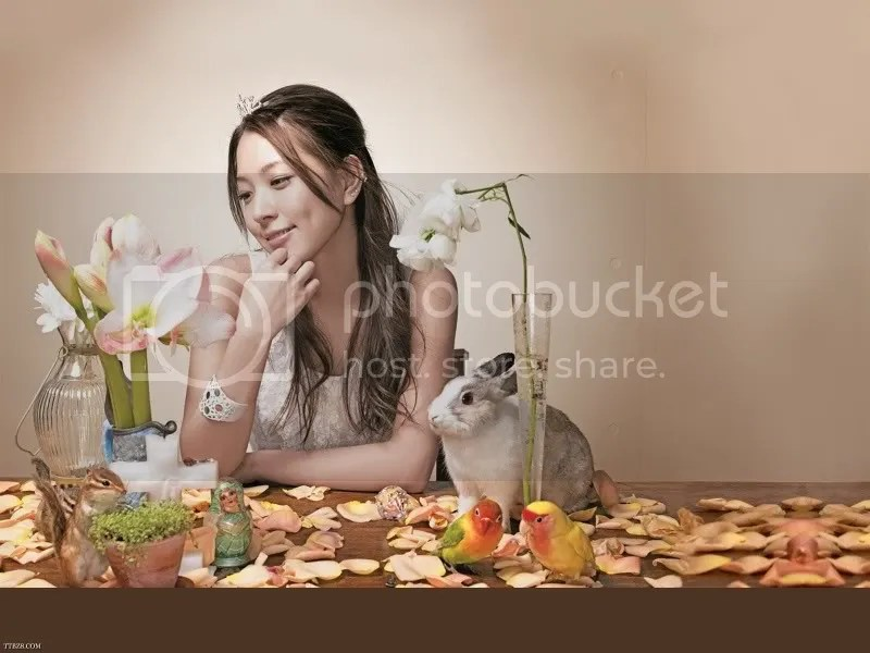 boa-wallpaper04-1600x1200.jpg picture by laraceres