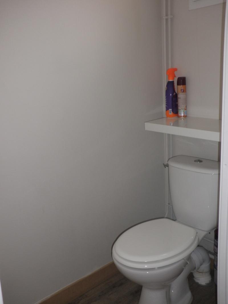peinture des toilettes