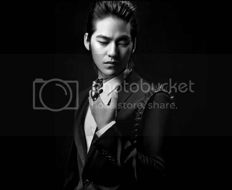 https://i0.wp.com/i398.photobucket.com/albums/pp70/Young_Lady_Junsu/Kim%20Bum/20091027_kimbum3.jpg