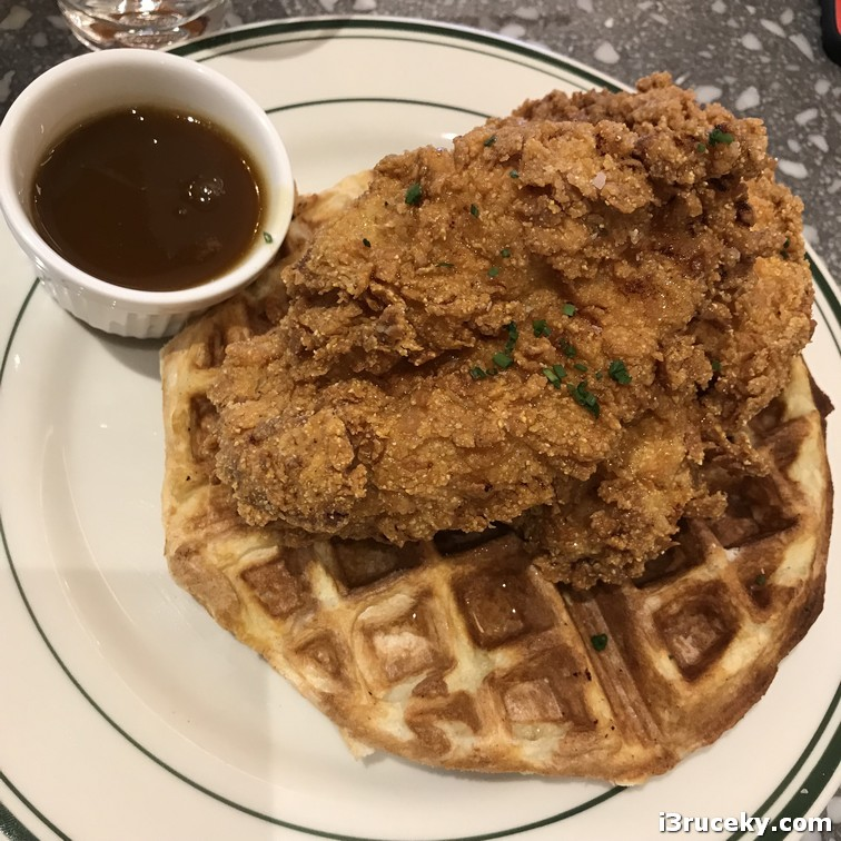 chicken and waffles - the photo doesn't do it justice