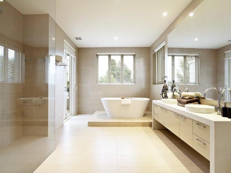 Modern Bathroom Design With Freestanding Bath Using