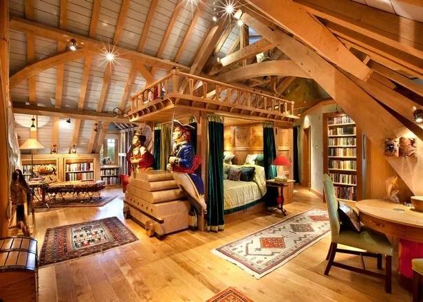 See inside the lavish home of millionaire publisher Felix