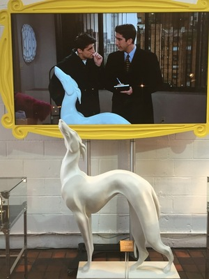 friends sofa replica cloth fabric online reveal visit comedy central's friendsfest at london's ...