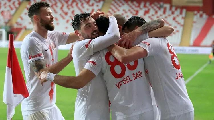 """Antalyasporlu futbolculardan """"evde kal"""" daveti 1"""