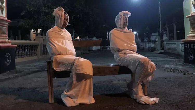 """Endonezya'da Kovid-19'a karşı """"hayaletli caydırma önlemi"""" 1"""