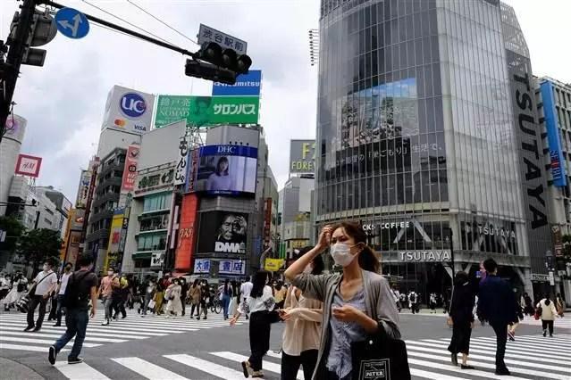 Yeni dalga telaşı yaşanan Japonya'da alarm! Birtakım okullar kapatıldı 1