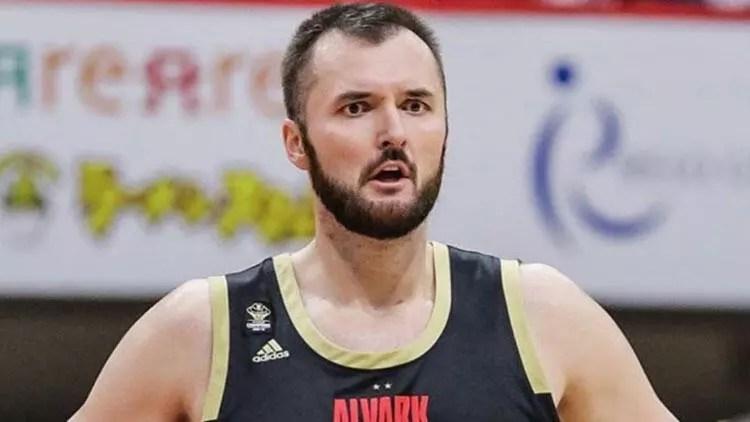 Bir periyot Galatasaray forması giyen Milan Macvan basketbolu bıraktı 1