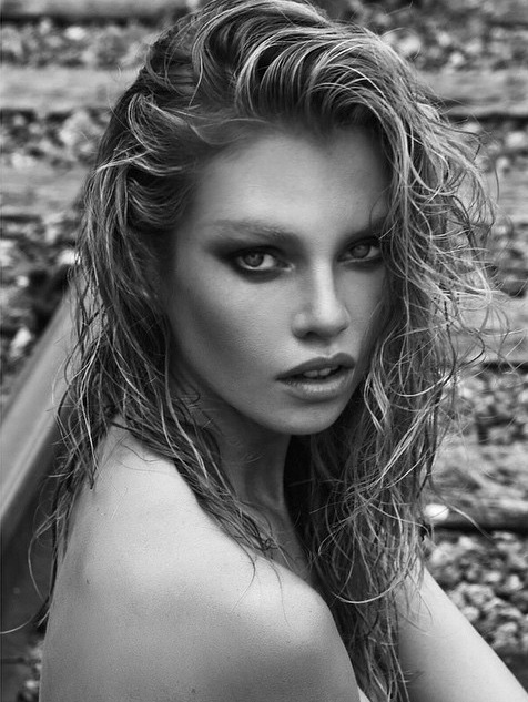 https://i0.wp.com/i4.mirror.co.uk/incoming/article5916694.ece/BINARY/Stella-Maxwell.jpg