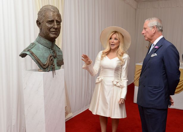 The Prince of Wales meets sculptor Lady Petchy