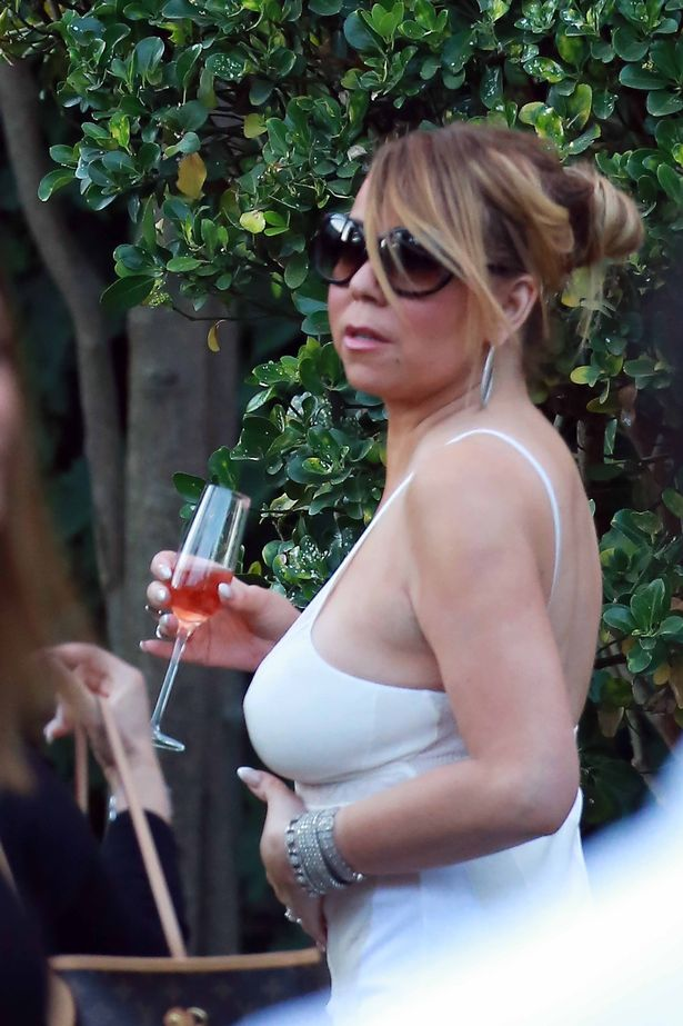 Mariah Carey enjoys a garden lunch in Saint Tropez, France