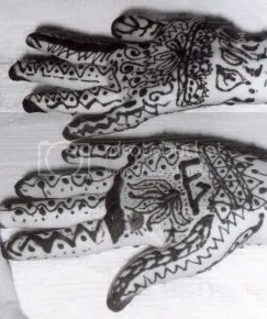 my sisters hands and my designs on her