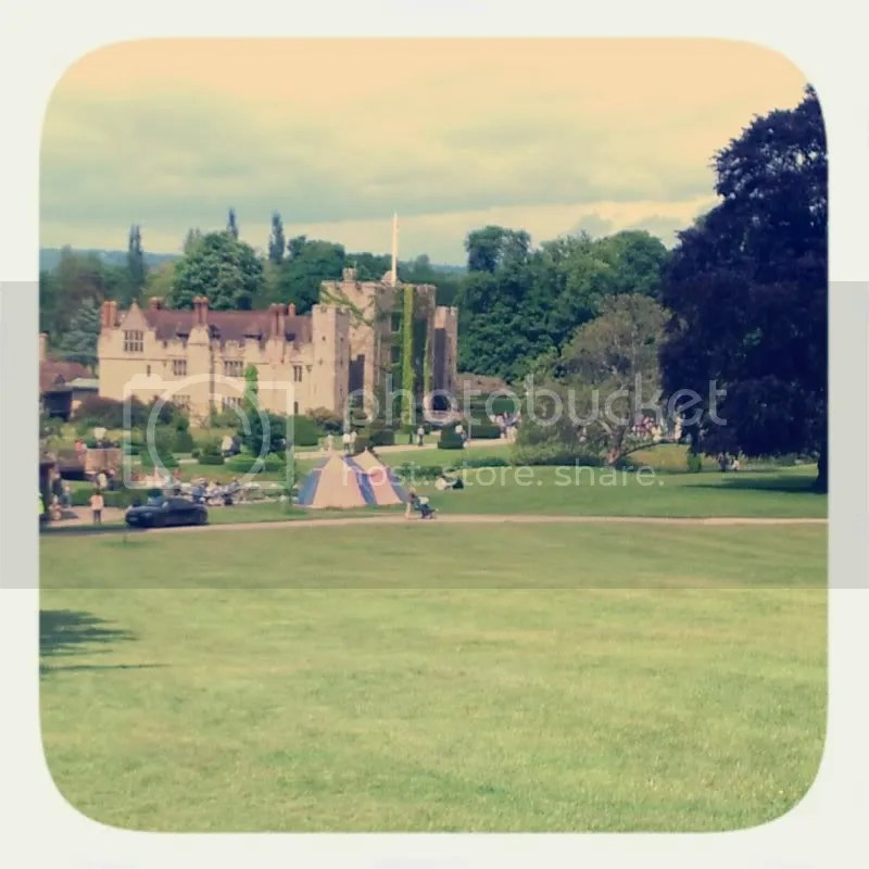 Retro image of Hever Castle