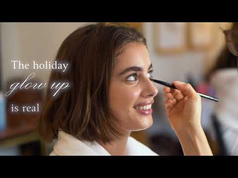 HOLIDAY BEHIND THE SCENES WITH TAYLOR HILL